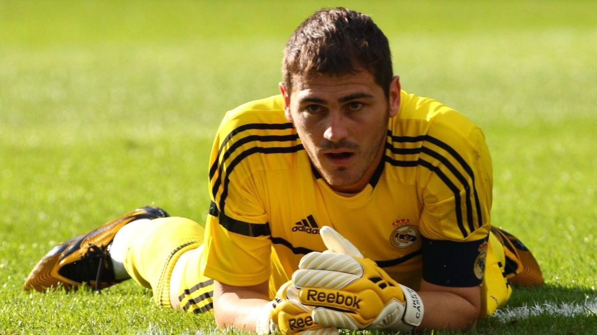 Soccer Iker Casillas Wallpaper 04