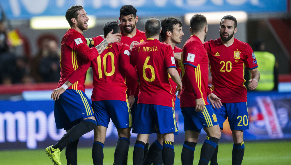 GIJON, SPAIN - MARCH 24:  Diego Costa of Spain celebrates after scoring his team's third goal during the FIFA 2018 World Cup Qualifier between Spain and Israel at Estadio El Molinon on March 24, 2017 in Gijon, Spain.  (Photo by Juan Manuel Serrano Arce/Getty Images)
