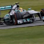 Carrerón de Alonso que sube al podium en un alocado G.P. de Gran Bretaña. Rosberg se llevó el triunfo final.