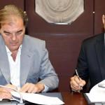 Ayón firmó su contrato con el Real Madrid