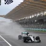 Los Mc Klaren no pasan de la Q1. Hamilton se hizo con la pole y es el favorito para ganar también en Malasia