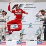 Vettel se impone a los Mercedes. Alonso, de mal en peor, no termina su primera carrera de la temporada