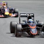 Un problema con los frenos hace abandonar a Fernando Alonso