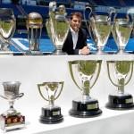 Iker Casillas posó en el Bernabeu con todos sus títulos