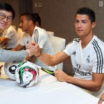 Los jugadores firmaron autógrafos en Shanghai