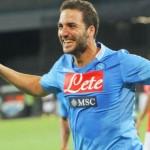 Higuaín: «Me quedo para llevar al Nápoles a la Champions»