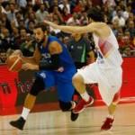 España sucumbe ante el poderío exterior de Italia y tendrá dos finales ante Islandia y Alemania