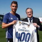 Florentino Pérez entregó la camiseta a CR7 por sus 400 goles en el Madrid
