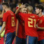 La Rosaleda coreó el himno nacional y pitó a Piqué