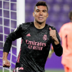 CRÓNICA: VLL-RMA. Casemiro y Courtois meten al Madrid en la pelea por la Liga