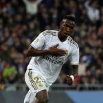 CRÓNICA: RMA-RSO. El Real Madrid salva un punto en los últimos finales que sabe a muy poco