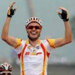 99ª MEDALLA (Pekín 2008). Oro en Ciclismo en Ruta Masculino.   SAMUEL SÁNCHEZ Y EL ESPRINT DE ORO