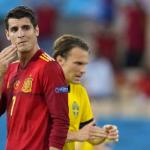 La falta de pegada condena a España al empate en su debut